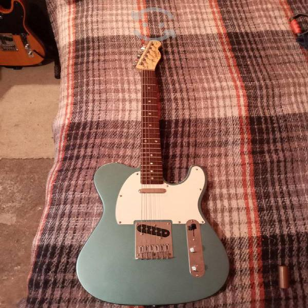 Guitarra squier telecaster afinity