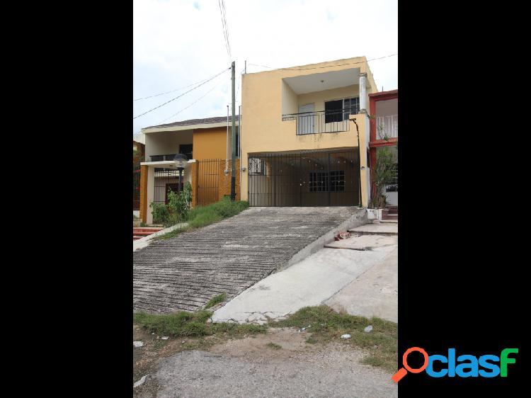 Céntrica casa en venta y renta en Valladolid 1
