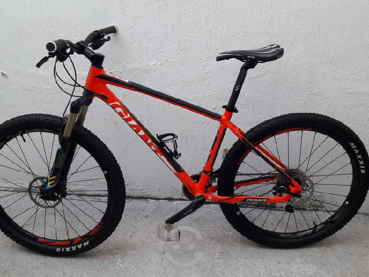 Bicicleta montaña giant talon uno