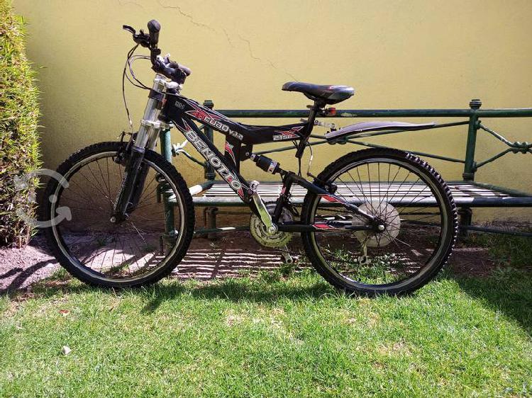 Bicicleta benotto modelo incubo, de montaña