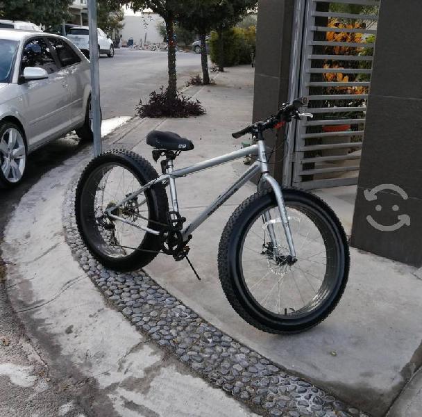 Bicicleta mongoose fat bike