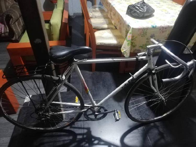 Bicicleta de carreras raleigh