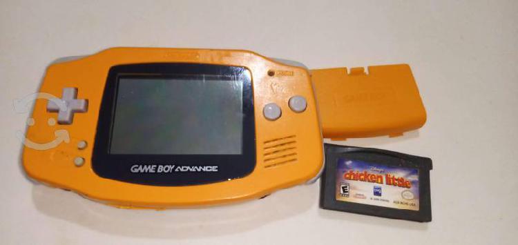 Gameboy advance solor naranja con tapa y juego