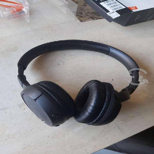 Jbl audífonos on ear tune 500bt negros