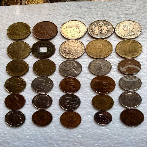 Lote de 35 monedas extranjeras