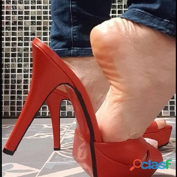 Busco mujer de pies bonitos $$$