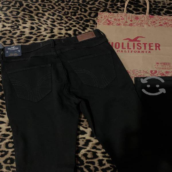 Hollister nuevo talla 3