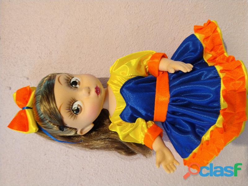 Muñeca bely mide 40 cm de altura articulable