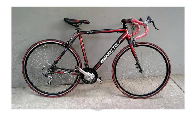 Bicicleta nueva de carrera ruta de aluminio