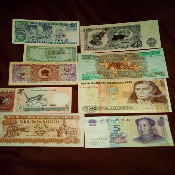 Billetes de diferentes países.