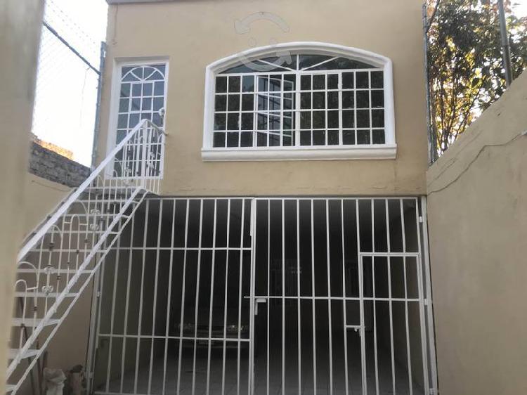 Casa habitación amplia cerca de clínica 110