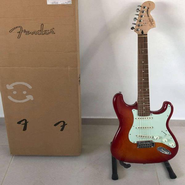 Guitarra squier strato standard edicion lim cs