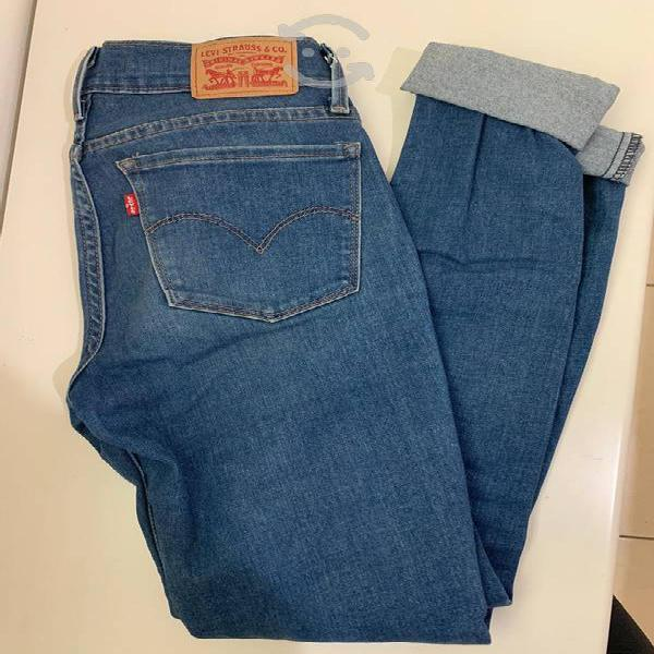 Pantalón levi's super skinny talla 26