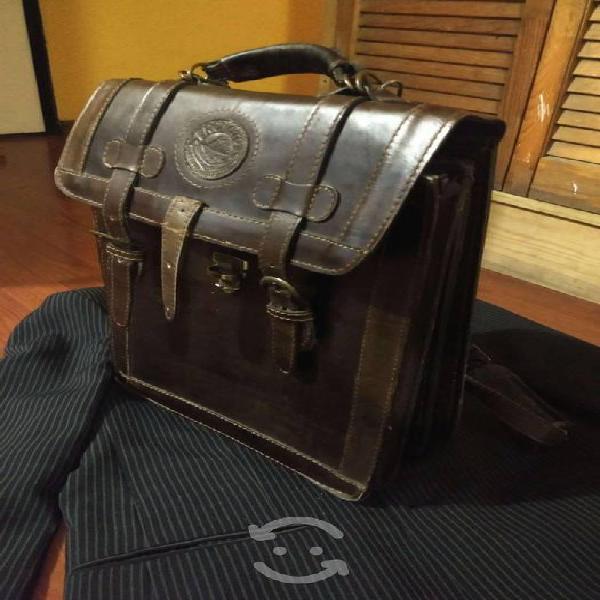 Portafolio/maletín de piel. doctos,laptop,tablet