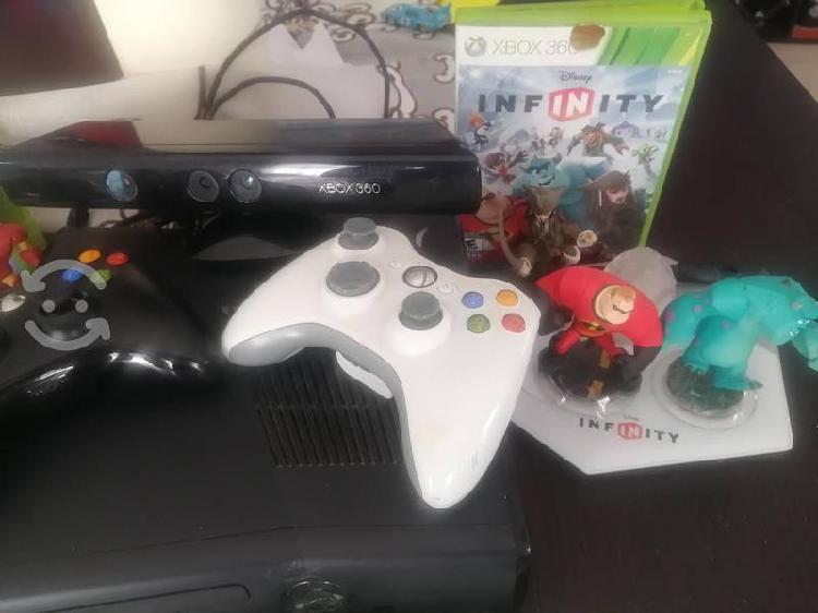 Xbox360 con 17 juegos y kinet