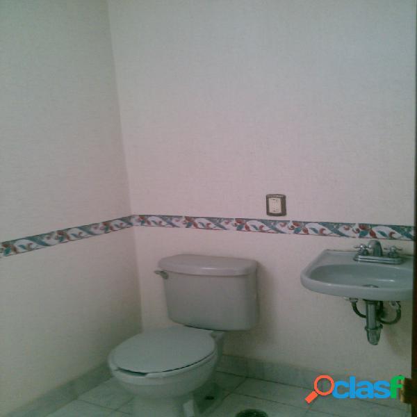 Casa sola en venta en Colonia Lomas del Mármol, Puebla de Zaragoza