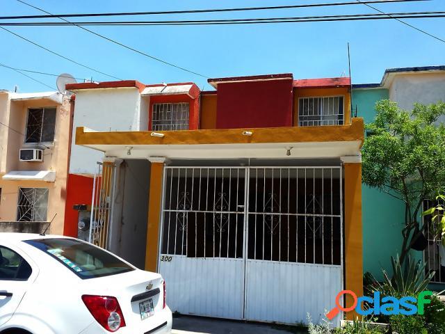 Casa sola en venta en Fraccionamiento Palmas del Coyol, Veracruz