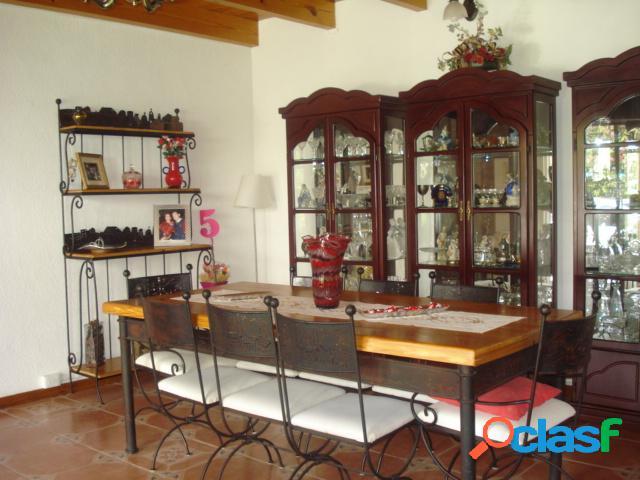 Casa sola residencial en venta en fraccionamiento hacienda tetela, cuernavaca