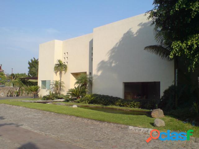 Casa sola residencial en venta en fraccionamiento residencial sumiya, jiutepec