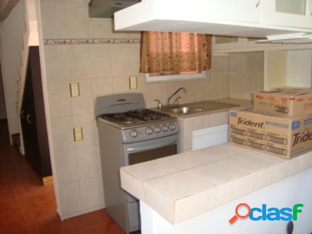 Casa sola en venta en unidad habitacional el paraje texcal, jiutepec