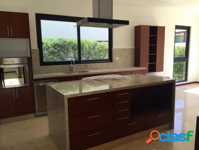 Casa sola residencial en venta en fraccionamiento bosques de angelopolis, puebla de zaragoza
