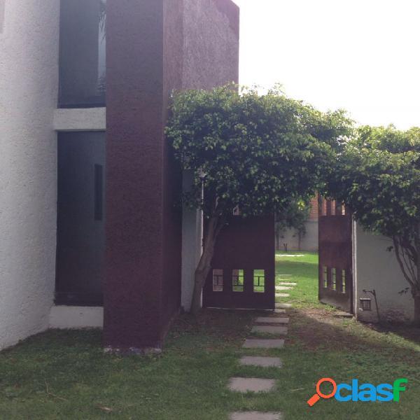Casa sola residencial en renta en colonia luz obrera, puebla de zaragoza