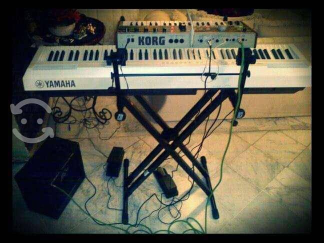 Base teclado doble on stage stands