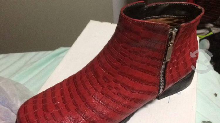 Botín nuevo piel suela cuero 100% rojo