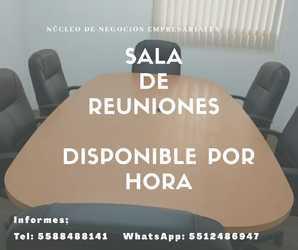 Sala de reuniones disponible para cursos.