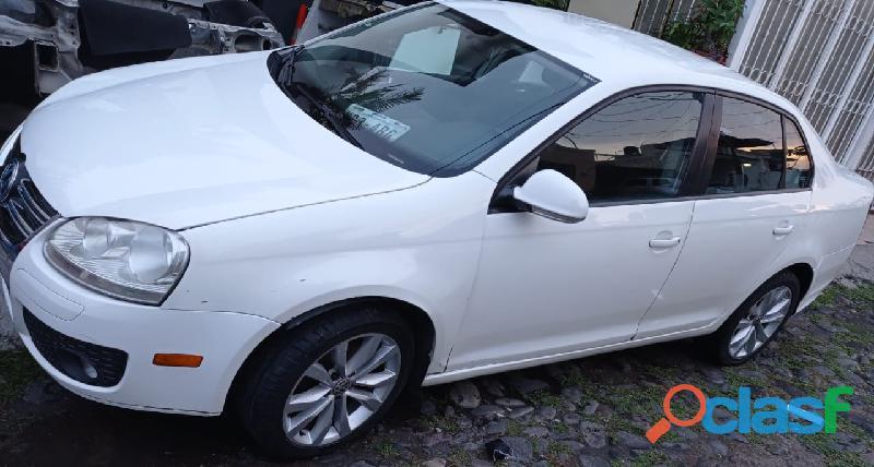Volkswagen   BORA STYLE   STD   5 CIL – 2010 – A/A