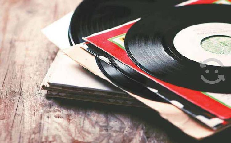Colección de 18,000 vinilos de 45 rpm