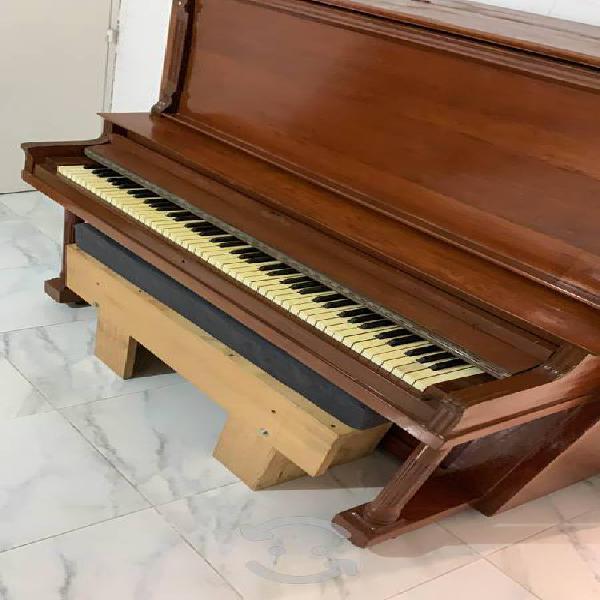 Piano vertical lorraine de 1920