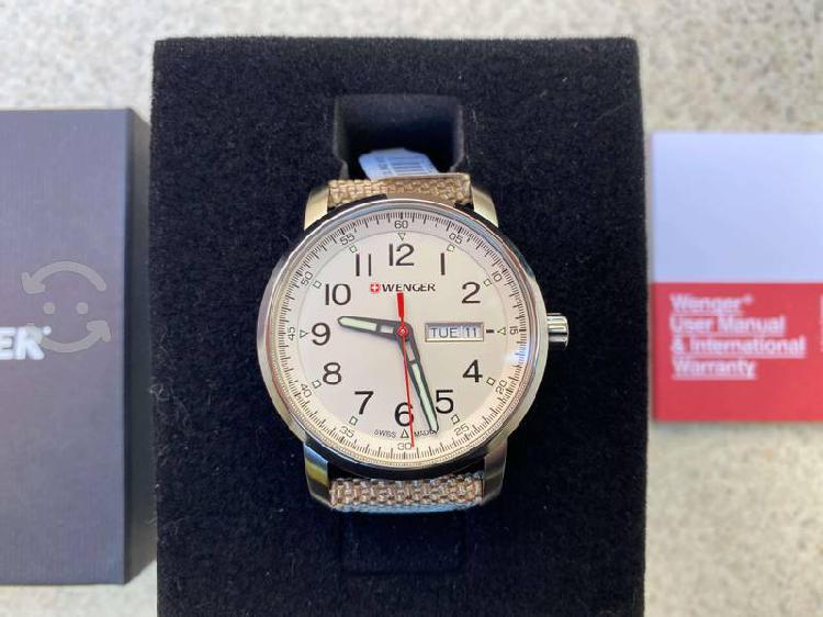 Reloj suizo wenger, nuevo, original en estuche