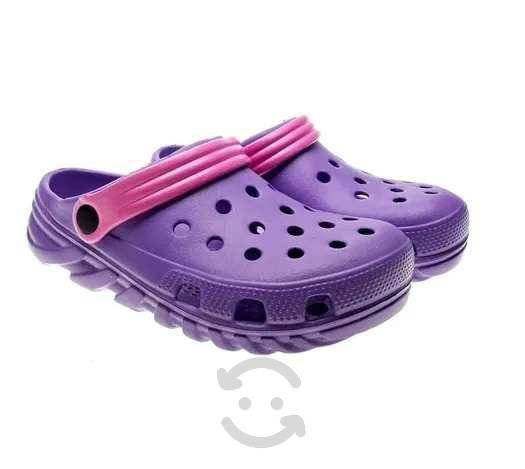 Sandalias chancla tipo crocs de goma