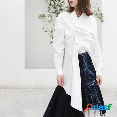 Dos maneras de usar la camisa de manga larga ocasional floja irregular de pearl