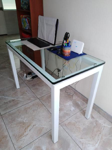 Escritorio gerencial vidrio 12mm, 120 x 60 cm