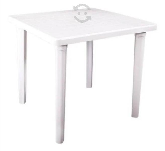 Mesa plástico cuadrada