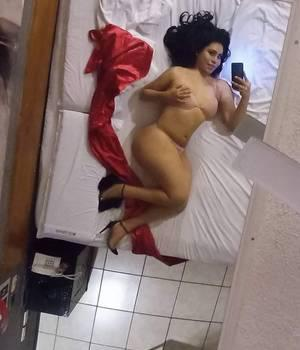 ZAFIRO HERMOSA TRANSEXUAL FEMENINA DISPONIBLE PARA TI....