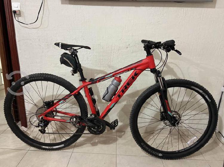 Bicicleta trek marlin 5 r29