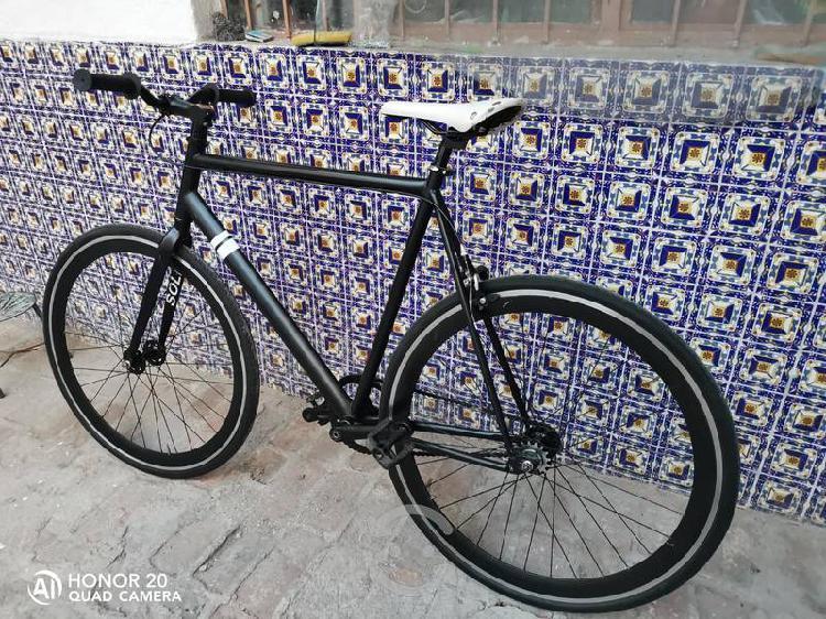 Bicicleta fixie sole rodado 700
