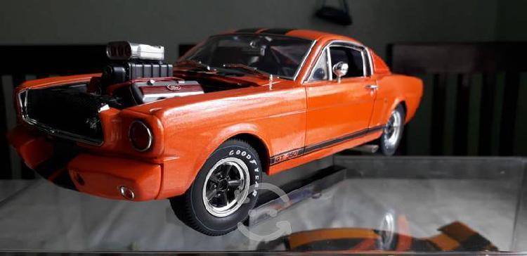 Mustang gt 350 a escala 1 en 18