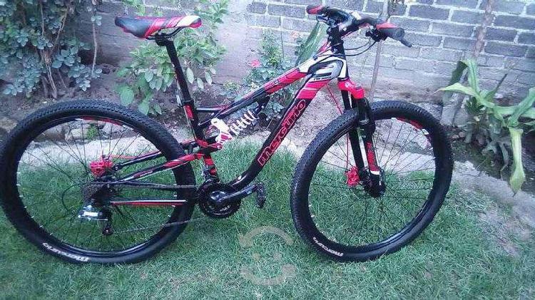 Bicicleta de montaña rodada 29 con balatas nuevas