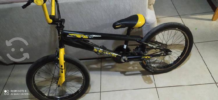 Bicicleta gt affliction con rotor rodado 20