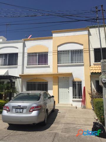 En venta casa de dos plantas en Irapuato Gto.