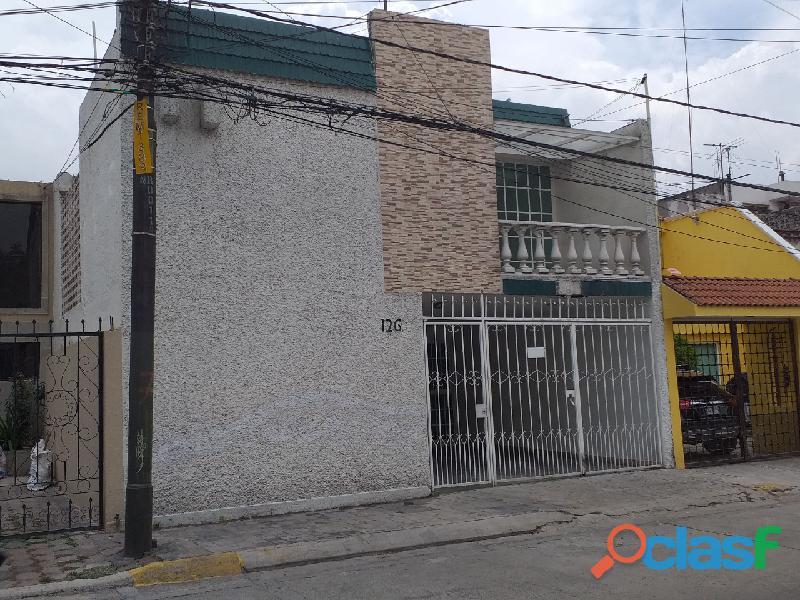 Rento casa muy amplia en Hacienda de Echegaray