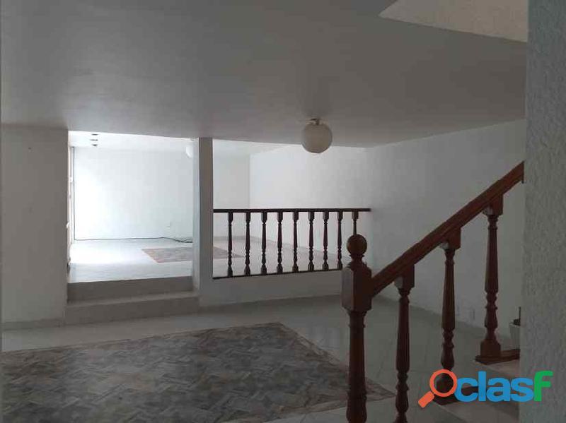 Rento casa muy amplia en Hacienda de Echegaray 4