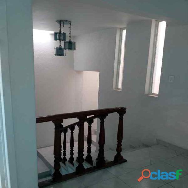Rento casa muy amplia en Hacienda de Echegaray 11