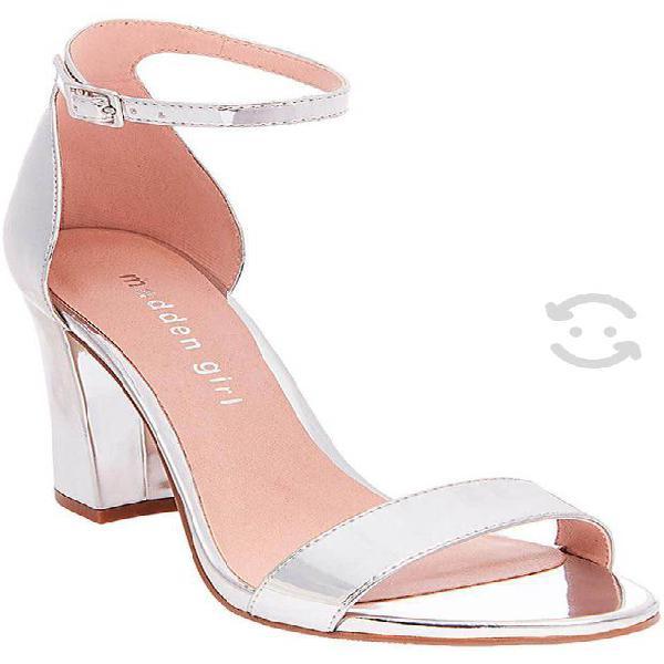 Sandalias de tacón color plata número 23