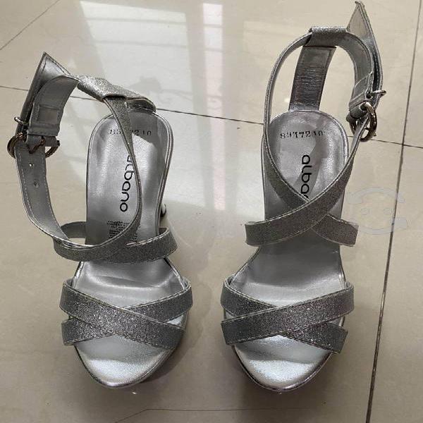 Sandalias hermosas color plateadas