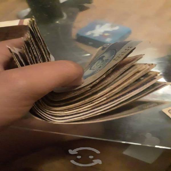 Compro billetes .monedas y bisuteria